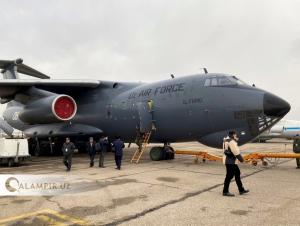 Ўзбекистон Хитойга махсус самолётда гуманитар ёрдам жўнатди (фоторепортаж)