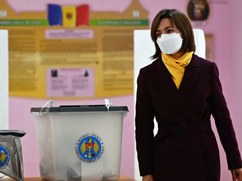 Молдовадаги президентлик сайловларида аёл номзод олдинга чиқиб олди