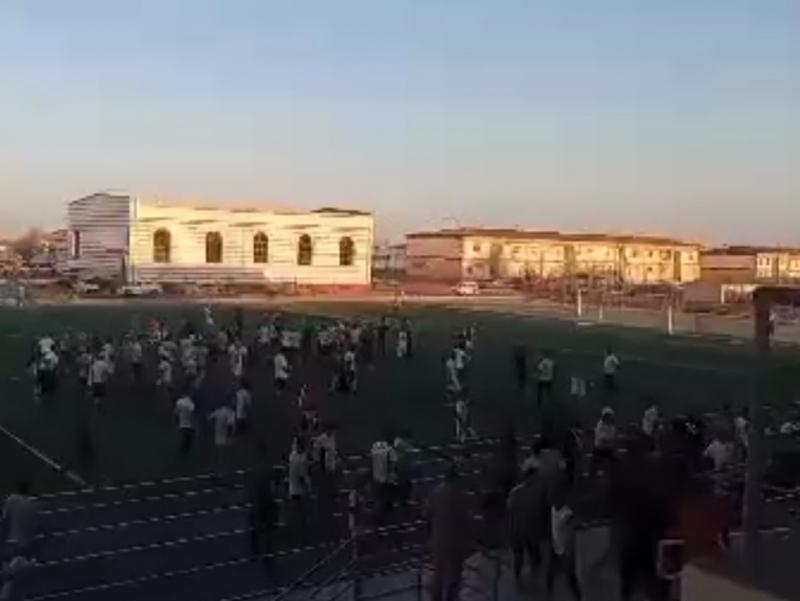 Qoraqalpog'istonda futbol o'yini vaqtida katta janjal sodir bo'ldi (video)