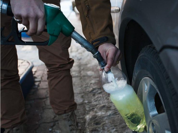 Қўлда бензин сотиляптими?
