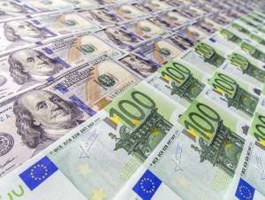 Доллар курси ўсишда давом этяпти, евро эса арзонлади