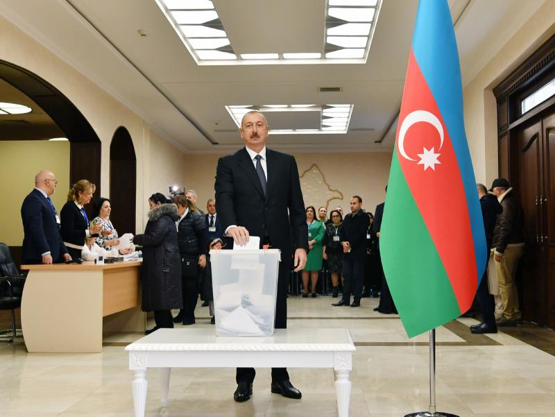 Озарбайжонда Алиев партияси парламент сайловида ғалаба қозонди