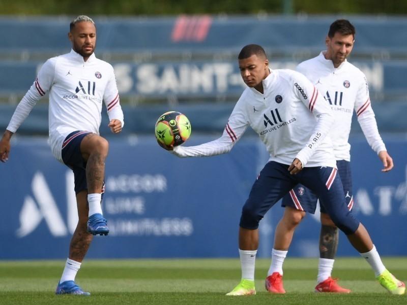 """""""Messi-Neymar-Mbappe"""" uchligi muvaffaqiyatli o'ynab ketishi uchun vaqt kerak – Pochettino"""