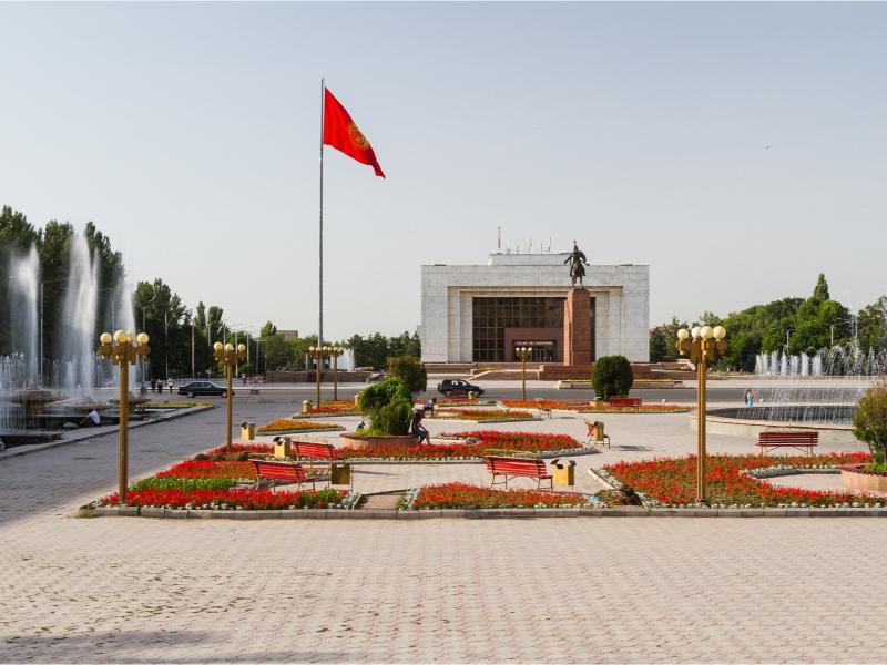 Қирғизистон дунё мамлакатлари учун чегараларини очди