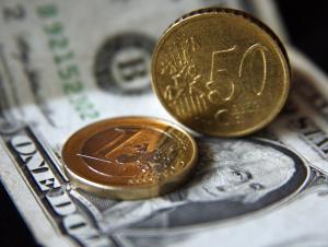 Ўзбекистонда доллар ва евро курси тушди