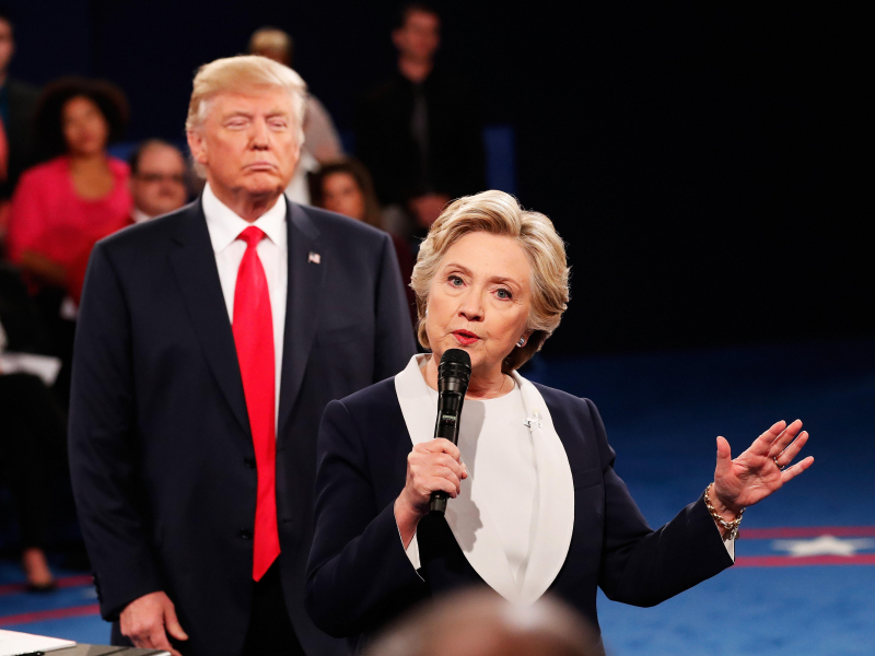 Трамп ё Байден? Клинтон ўзига тараф танлади