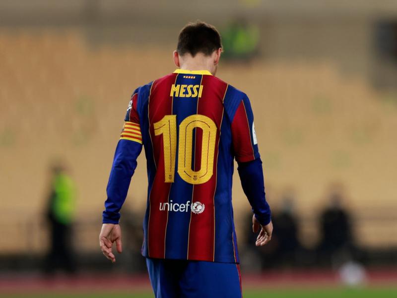 "Messi ""Barselona"" safida ilk marta qizil kartochka oldi"