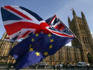 Британия парламенти бир қарорга келиши керак