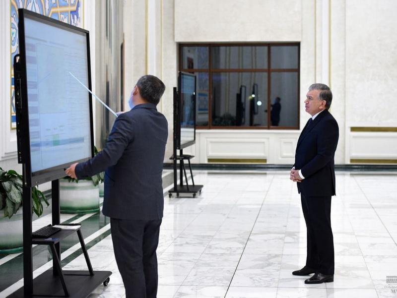 Президент Тошкентда йўл-транспорт инфратузилмасини ривожлантириш концепцияси билан танишди
