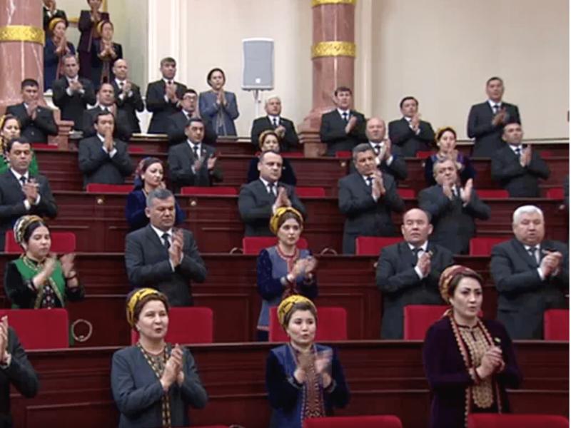 Туркманистонда икки палатали парламент ташкил қилинади