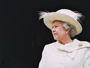 ОАВ: Елизавета II Европа Иттифоқидан чиқиш ҳақидаги қонун лойиҳасини имзолади