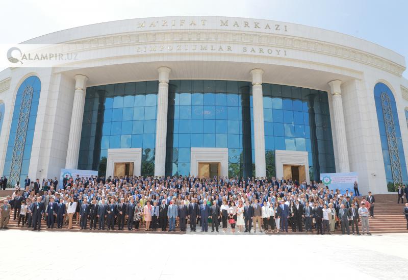 Toshkentdagi MDXMI bitiruvchilari forumidan fotoreportaj