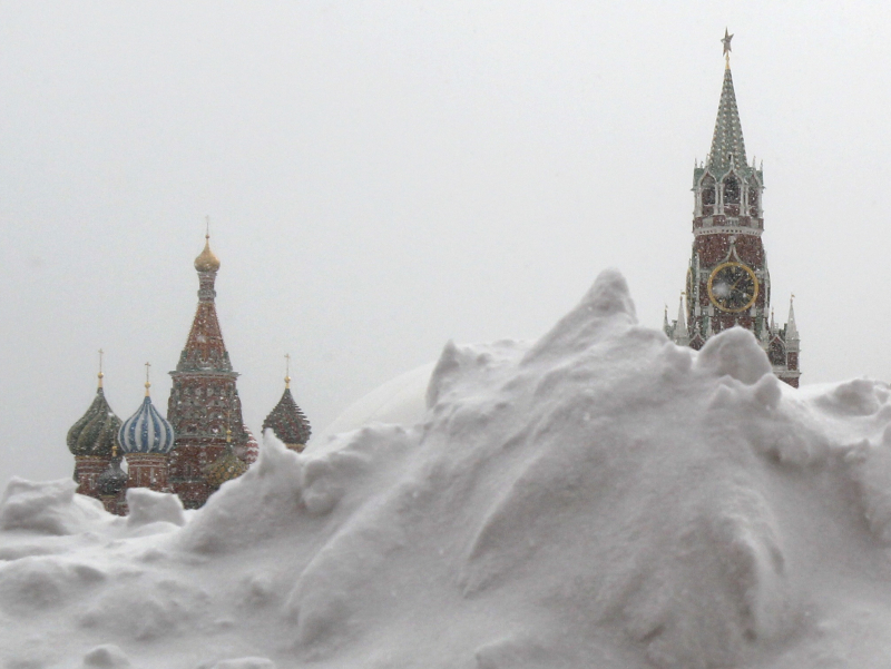 Фоторепортаж: Москва қор остида қолди