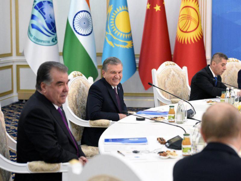 Бишкекда ШҲТ саммити бошланди. Мирзиёев нутқ сўзлади