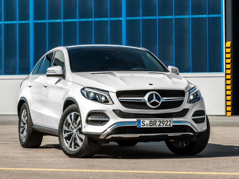 Mercedes носозлик сабаб 1,3 млндан ортиқ машинасини қайтариб олади