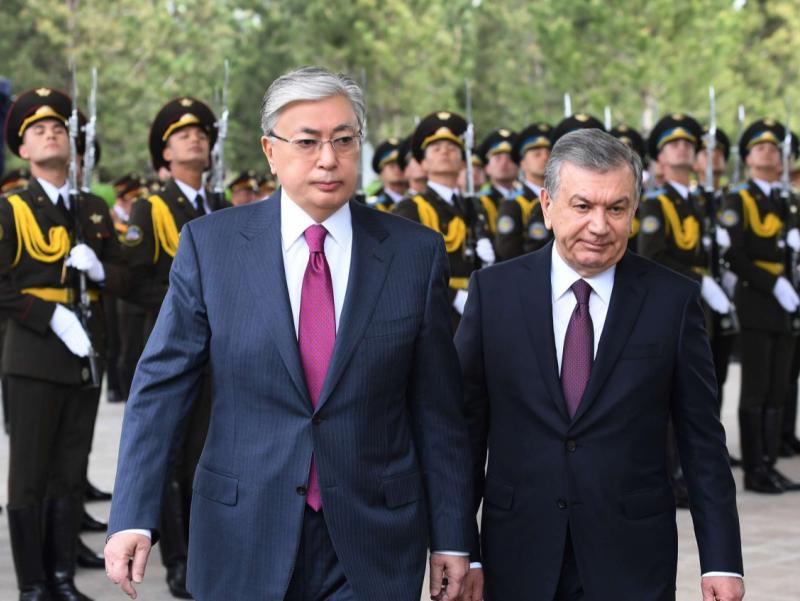 Mirziyoyev To'qayev bilan Qirg'izistondagi vaziyatni muhokama qildi