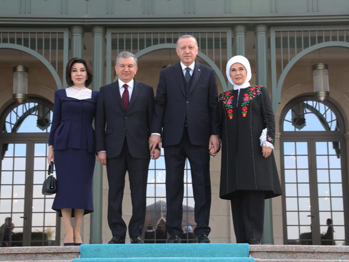 Mirziyoyevning parlamentga murojaatnomasi Turkiyada kitob shaklida chop etildi