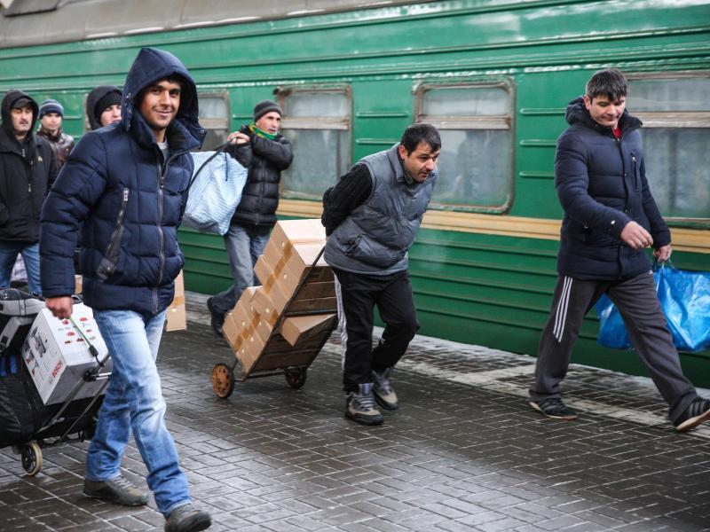 Меҳнат мигрантларини Россияга олиб киришнинг махсус механизми яратилди