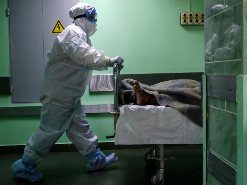 Antirekord: Rossiyada bir haftada necha kishi koronavirus qurboni bo'lgani aytildi