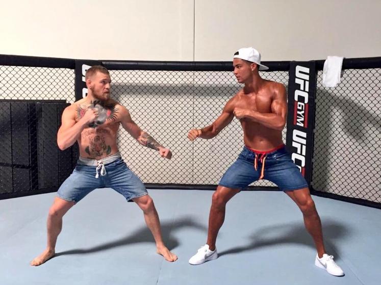 Роналду MMA ва боксга футболдан кўпроқ қизиқишини айтди