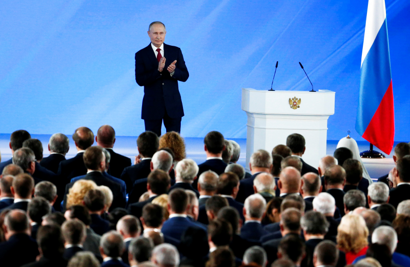 Путин кимга бўйсунишини айтди