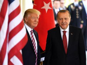 Эрдўған Трамп билан Ливияни муҳокама қилди