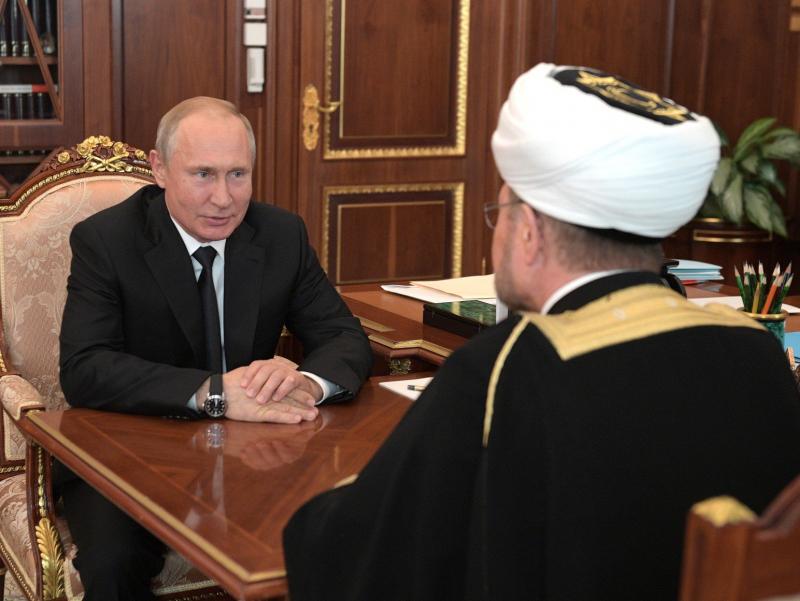 Путин мусулмонларга мурожаат билан чиқди