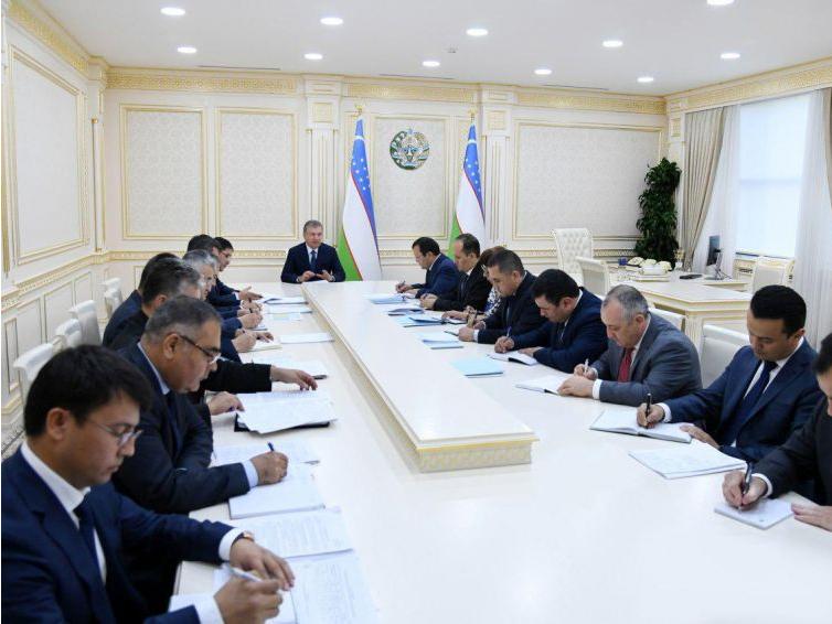 Prezident yig'ilish o'tkazdi: neft-gaz, kimyo va elektr energetikasi sohalariga 4 mlrd 580 mln dollar investitsiya kiritiladi